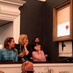 Stencil de Banksy é vendido por mais de 1 milhão e se autodestrói em seguida